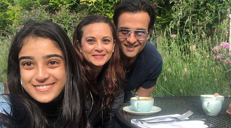 Actor Manasi Joshi Roy believes working along with parenting is possible, given the dynamics are in place.