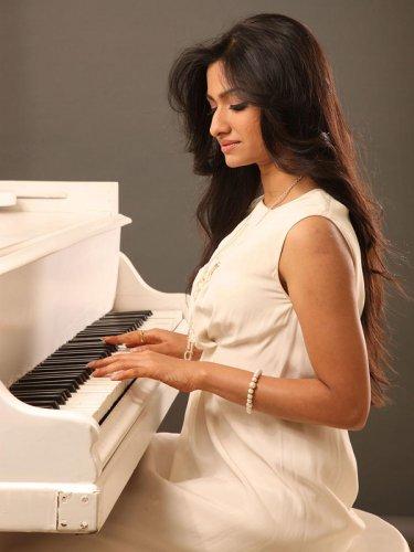 "Music maker Reewa Rathod, daughter of  Sunali and Roop Kumar Rathod, on her latest blockbuster ""Maula"" with Gulzar."